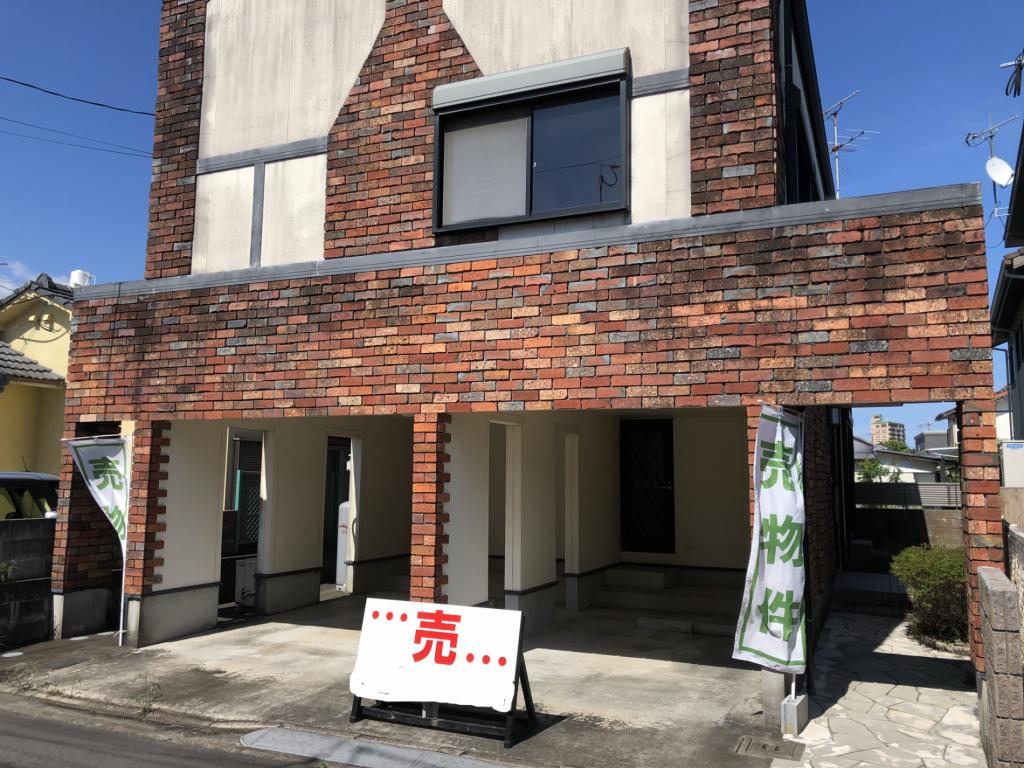人気エリアにある洋風モダンな住宅です!近隣には県民文化センターや宮崎神宮もあり環境良しです!写真