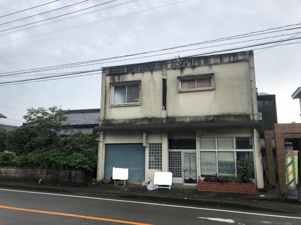 田野町中心地で大通りに面しています!事業用地に最適です!写真