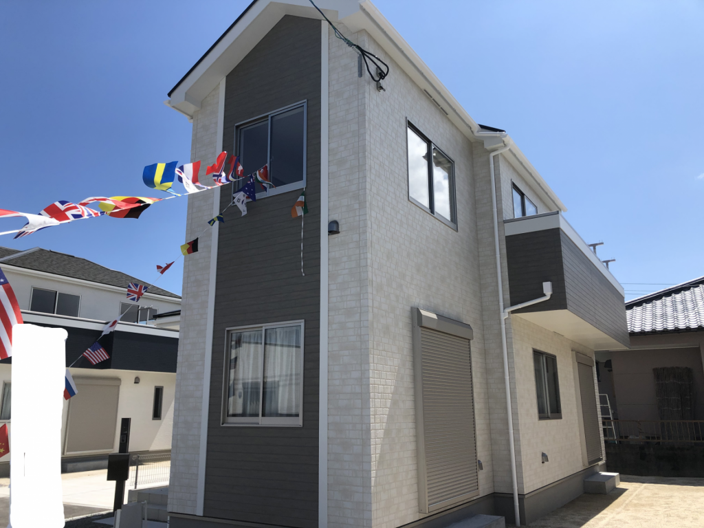 耐震・耐風・劣化対策など安心安全の家!カースペース並列3台可能!写真