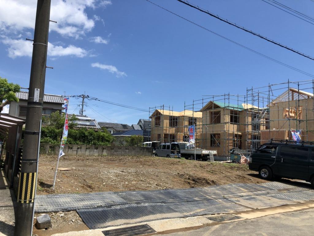 イオン近くの人気エリアの南道路!地形がいいのでお気に入りの間取りのマイホームが建てられます!写真