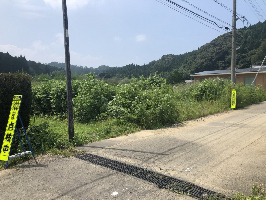鏡洲小学校区で東道路の土地に住宅、事業用地としていかがでしょうか!写真