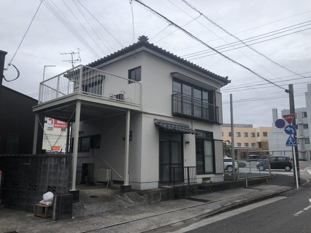 霧島5丁目、1000万円以下で購入可能な戸建て住宅です!居住用でも投資用でもいかがですか!平和台病院近くですので便利の良いところです!写真