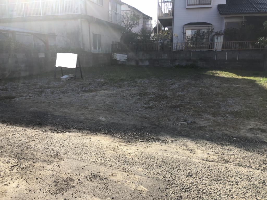 潮見小学校区内のお手頃価格の売地です!地形がよいので駐車スペースも3台可能です!水道引き込み済み!写真