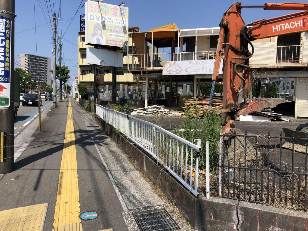 檍小学校前の大通り沿いの角地!解体更地渡しで道路拡張予定地!車通りが多くかなり目立つ立地なので飲食や事業用地に最適です!画像5